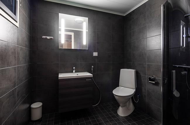 Pyhä Asteli, Aurora Suite, baño