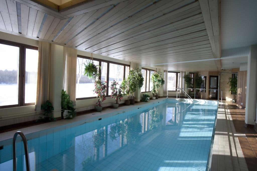 Hotel Ivalo, piscina cubierta