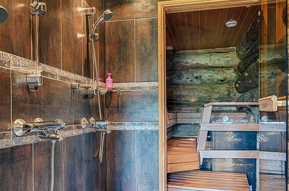 Rukan Salonki, ducha y sauna