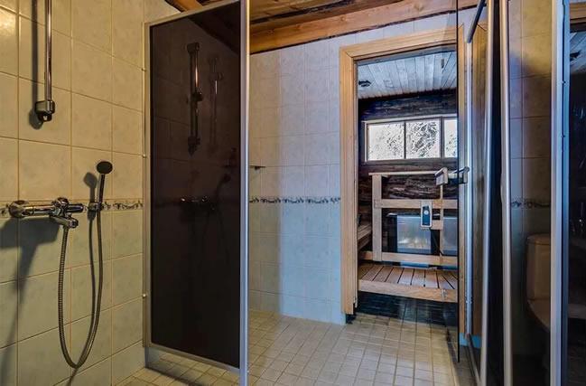 Chalet Rukan Salonki RS8, duchas con sauna