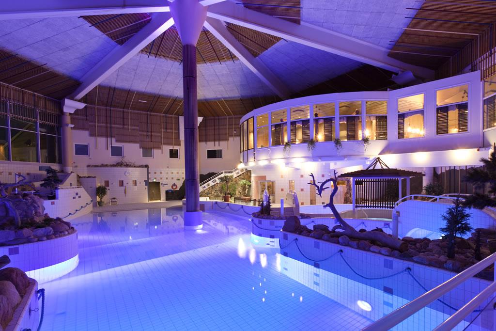 Holiday Club Saariselkä, piscina iluminada