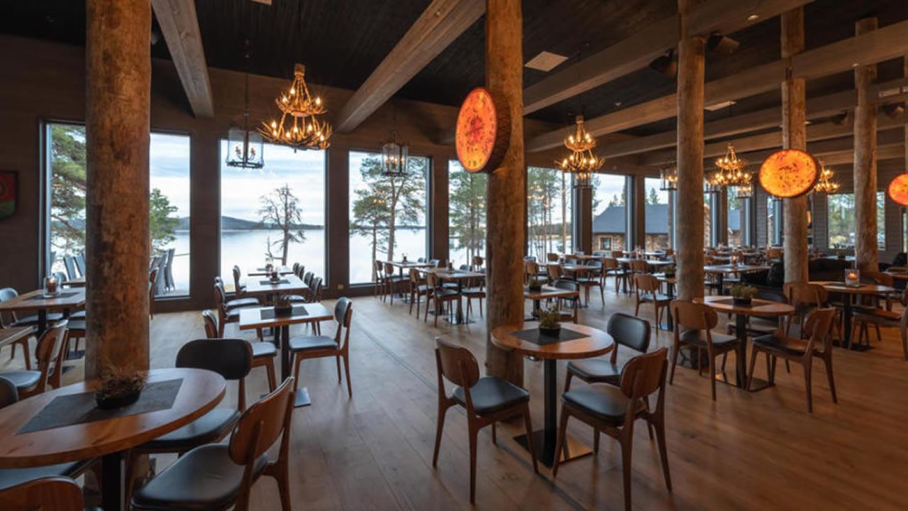 Wilderness Irani Hotel, Panorama restaurante